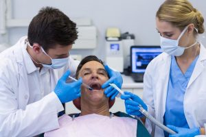 Dentist Offers Painless Services